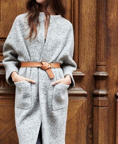 Cappotto e cintura.