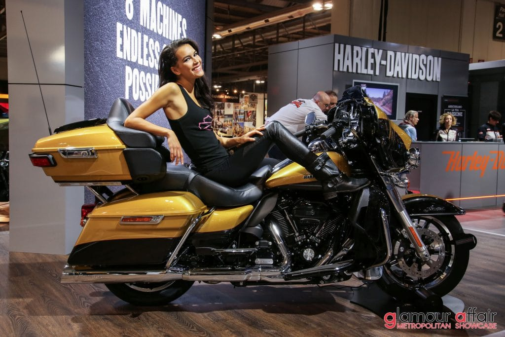 Eicma 2016, Milano Rho Fiera; Stand Harley Davidson; Eicma girl